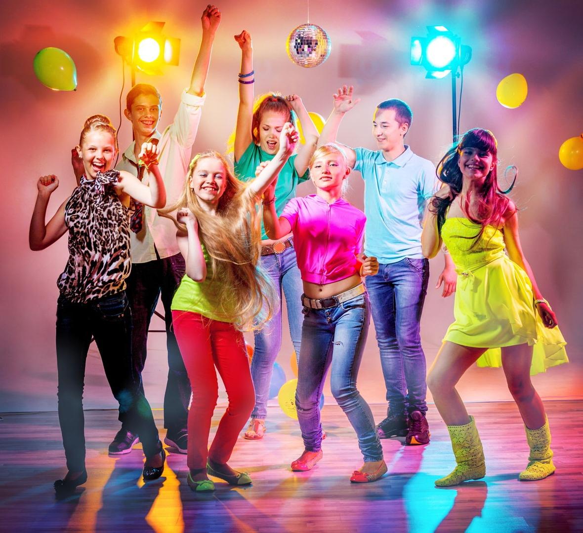 Танцы молодежь картинки