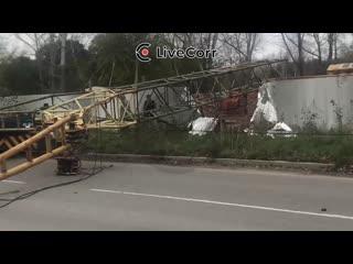 В Комсомольске-на-Амуре упал строительный кран