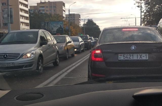 Сразу из-за трёх ДТП на участке МОПРа на Машерова движение затруднено
