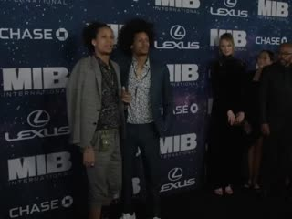 Lewis_christine les twins photo shoot men in black international | chris hemsworth & tessa thompson at world premiere yt cha