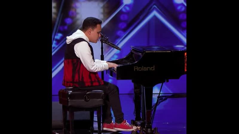 Коди Ли, незрячий музыкант с аутизмом
