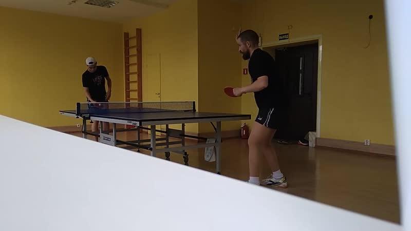 Валидольная тренировочная игра с бронзовым призёром ЧР Максом Торкелем. Он поддавался, если не врёт.