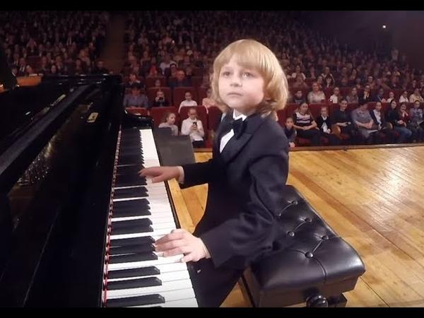 Елисей Мысин Юный пианист и композитор Young pianist and composer 年轻的钢琴家和作曲家