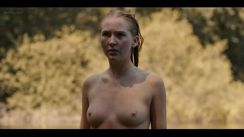 Gina Stiebitz Lisa Vicari Sexy And Topless In Dark Gonzoxxx 1