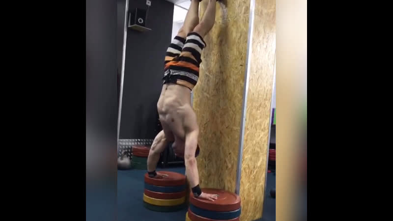 GoraCrossfit Отжимания в стойке на руках Яма 30 см