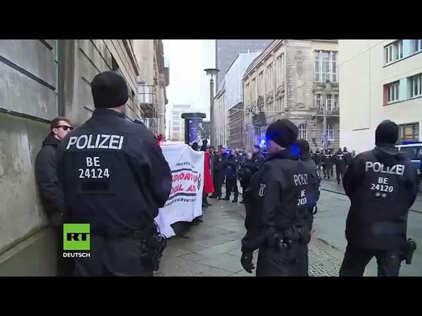 POLIZEI Berlin Yellow Vests vs. Nazi Terror Organisation Antifa Linksfaschisten