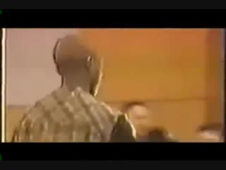 2pac walking out of court