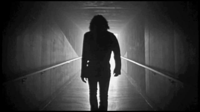 No ones gonna take my soul away , Im living like Jim Morrison coub