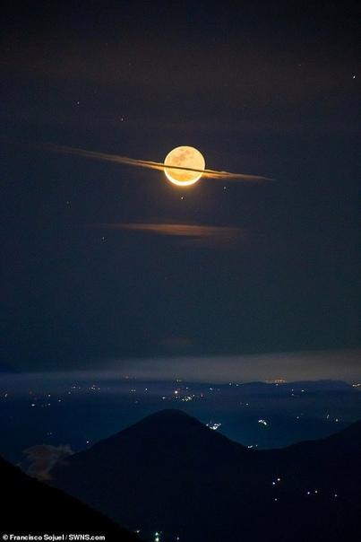 Луна, похожая на Сатурн