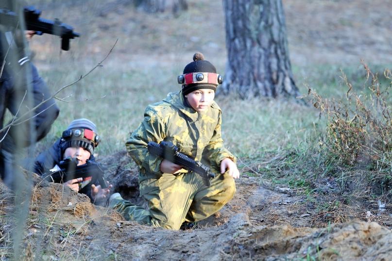 Парусные суда осваивают воспитанники военно-спортивного клуба «Пантера» во время школьных каникул