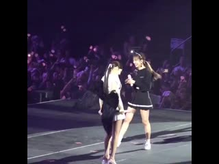 Jennie taking off her wings and putting it on jisoo