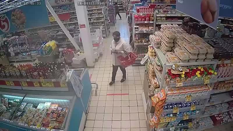 В Самарской области разыскивают женщину укравшую продукты из супермаркета