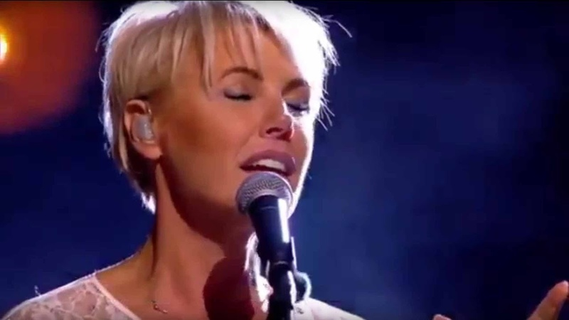 One Moment In Time - Dana Winner (live)