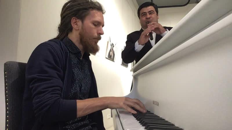 Паша Аеон и Вардан Арутюнян - Импровизации на Выставке Бадри Шенгелия