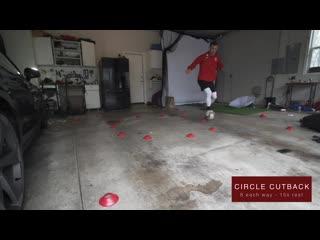 A pro footballers garage training session-обрезка 01
