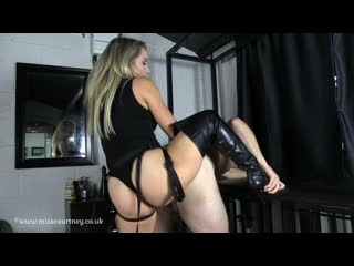 [] Mistress Courtney Fetish Lair I Look Good Inside YOU[Femdom, FaceSitting Licking, Pussy, Stockings, 1080p]