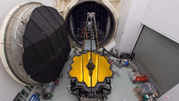 Космический телескоп Джеймса Уэбба (JWST или «Уэбб» - это космический телескоп, который планируется стать преемником космического телескопа Хаббла. JWST обеспечит улучшенное инфракрасное