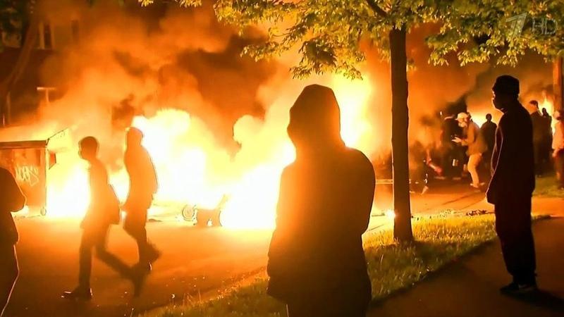 Массовые протесты против полицейского произвола охватывают все новые города вСША Новости Первый канал