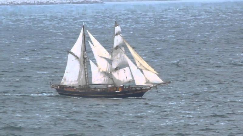Sailing General Cargo TRES HOMBRES inbound La Coruna