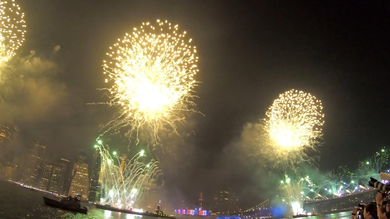Macy's Fourth of July Fireworks NYC 2019 4 Barges Brooklyn Bridge View Synced