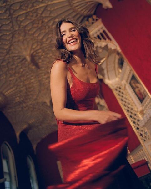 Джемма Артертон в фотосессии для свежего выпуска журнала Stella