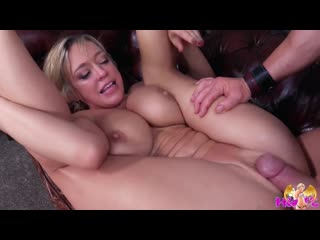 Dee Williams The Kinky Blonde Slut Fucking MILF +18