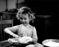 id_13181 Когда в детстве забежал домой перекусить 😋  #gif@bon