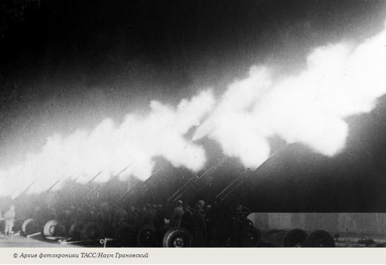 76 лет назад, 25 марта 1945 года, войска 2-го Украинского фронта, перейдя в наступление, прорвали сильную оборону немцев западнее Будапешта и разгромили группу немецких войск в районе Естерго