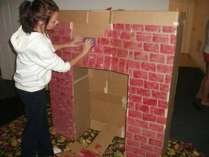Как сделать новогодний камин из коробок и картона, изображение №5