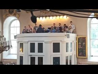 С. РахманиновКонцертдля хора «Вмолитвахнеусыпающую Богородицу», исполняет хор Спасо-Преображенского собора под управлением А