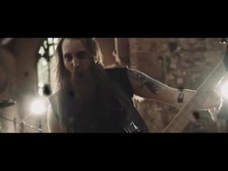Skarlett Riot - Gravity (Official Music Video).mp4