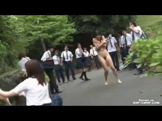 Японский ENF, CMNF, OON, принудительный эксгибиционизм – студентку насильно раздели догола на природе