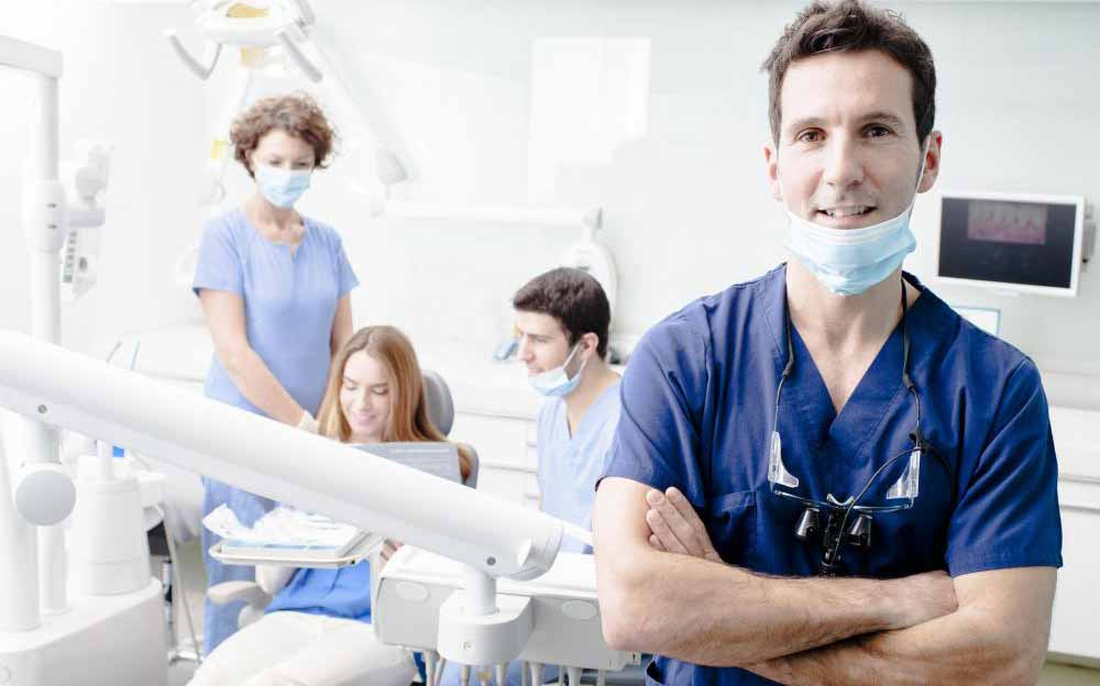 Процесс имплантации зубов
