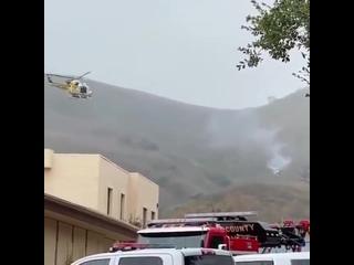 #новостимира #баскетболист #кобибрайантАмериканский баскетболист Коби Брайант разбился при крушении вертолёта в Калифорнии. Вм