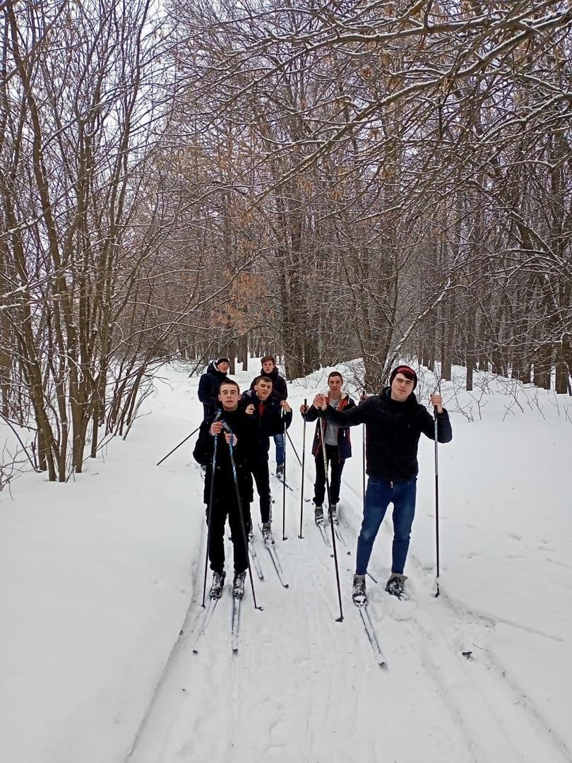 Студенты Петровского агропромышленного лицея поучаствовали в лыжном забеге