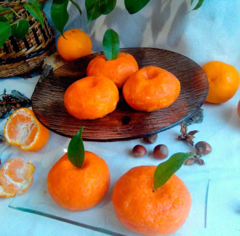 Праздничная закуска «Мандаринки» из сыра и моркови