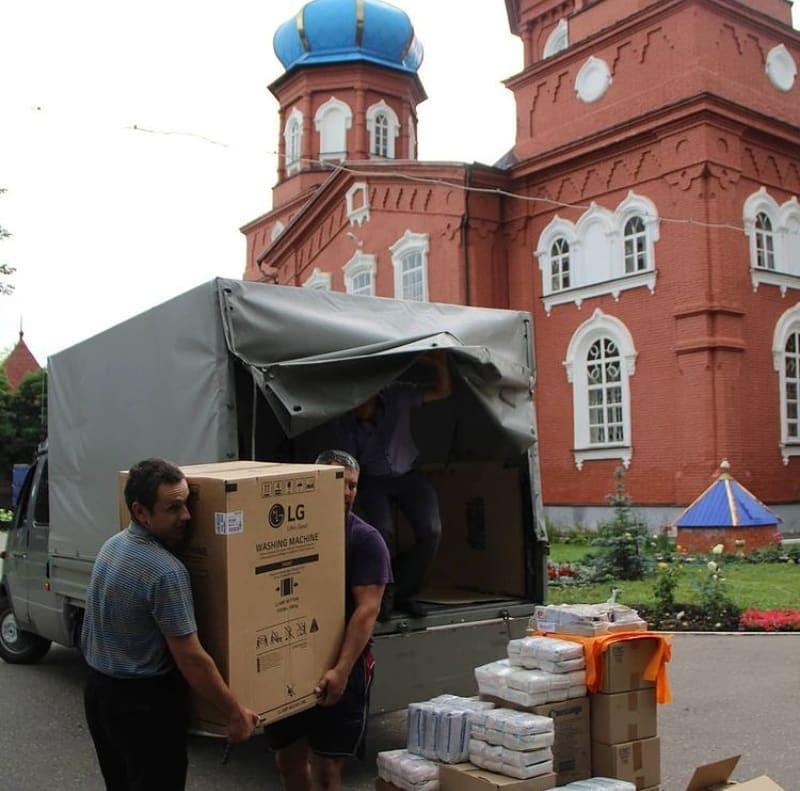 Вчера в Петровск поступила партия гуманитарной помощи от отдела по церковной благотворительности и социальному служению Саратовской епархии