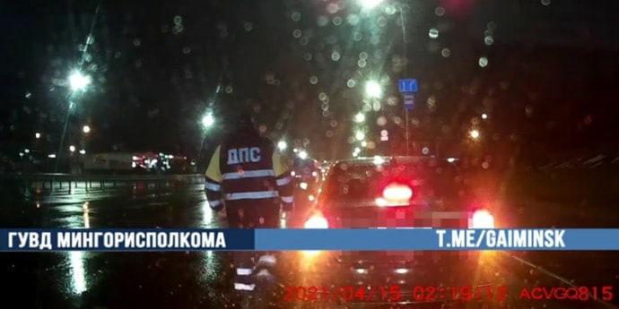 Пьяного водителя каршеринга задержали в Минске. У кого за это больше штраф — у ГАИ или Anytime?