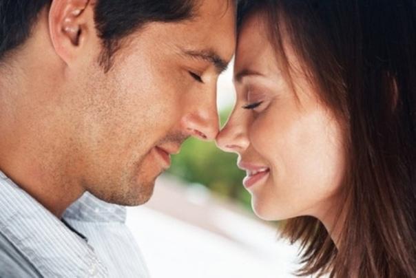 Как узнaть, влюблён ли в вас мyжчина?