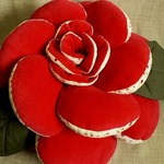 Цветочные подушки — шикарный декор для интерьера своими руками