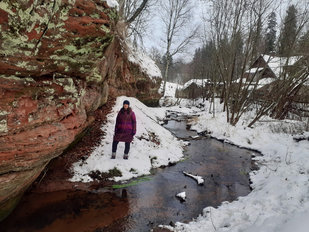 Красоты зимней Сиверской. Живописные берега Оредежа, обрывы и пещеры.