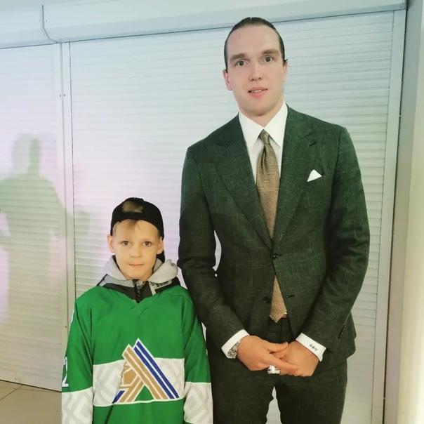 Юный бузулучанин отобран в клуб Континентальной хоккейной...