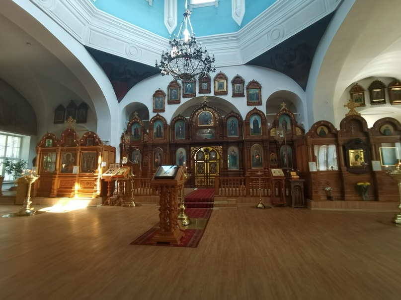 Храм Святого благоверного великого князя Александра Невского (внутреннее убранство)