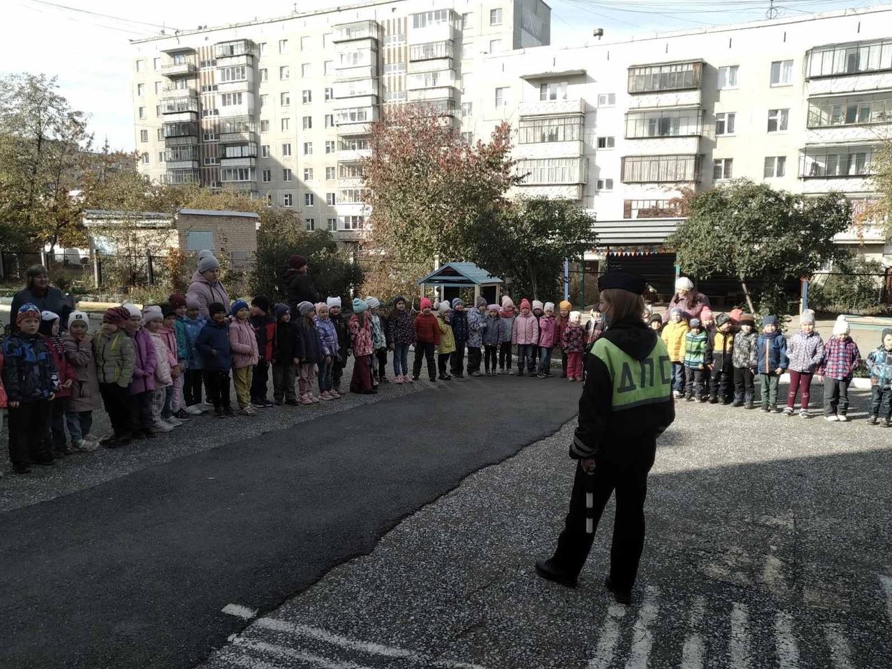 В рамках «Недели безопасности» сотрудники Госавтоинспекции совместно с образоват...