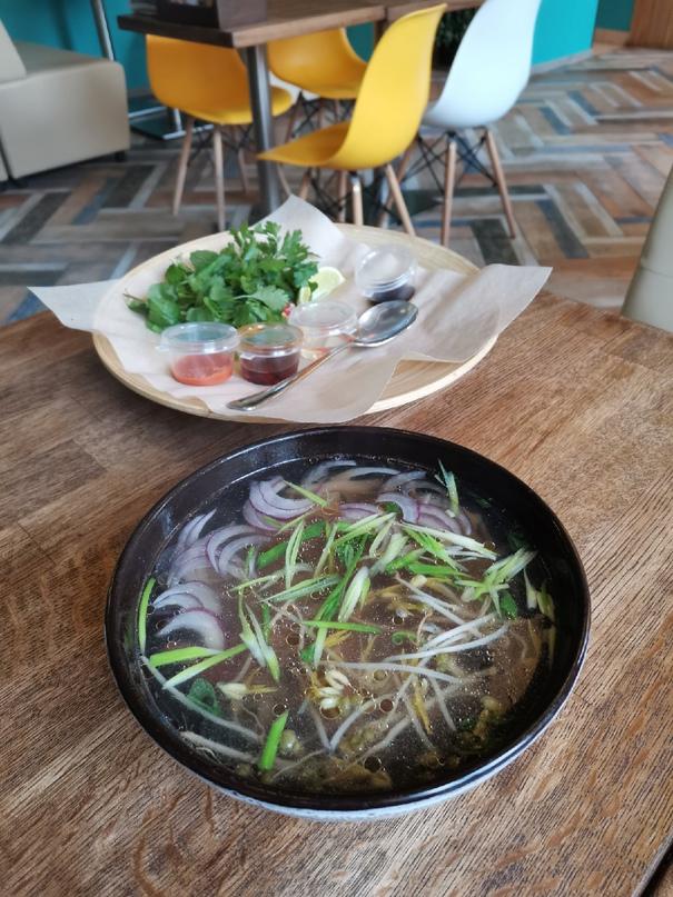 🐲 Давно хотела попробовать вьетнамскую кухню, и вчера после прогулки зашли погре...