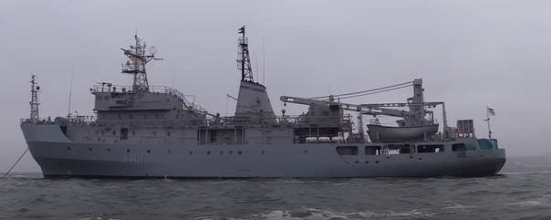 Украинский военный корабль «Балта», потерпевший бе...
