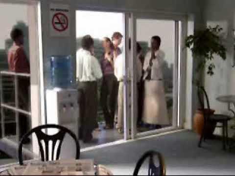 Balkonda Kalabalık Sigara İçmenin Zararları - Komik Videolar