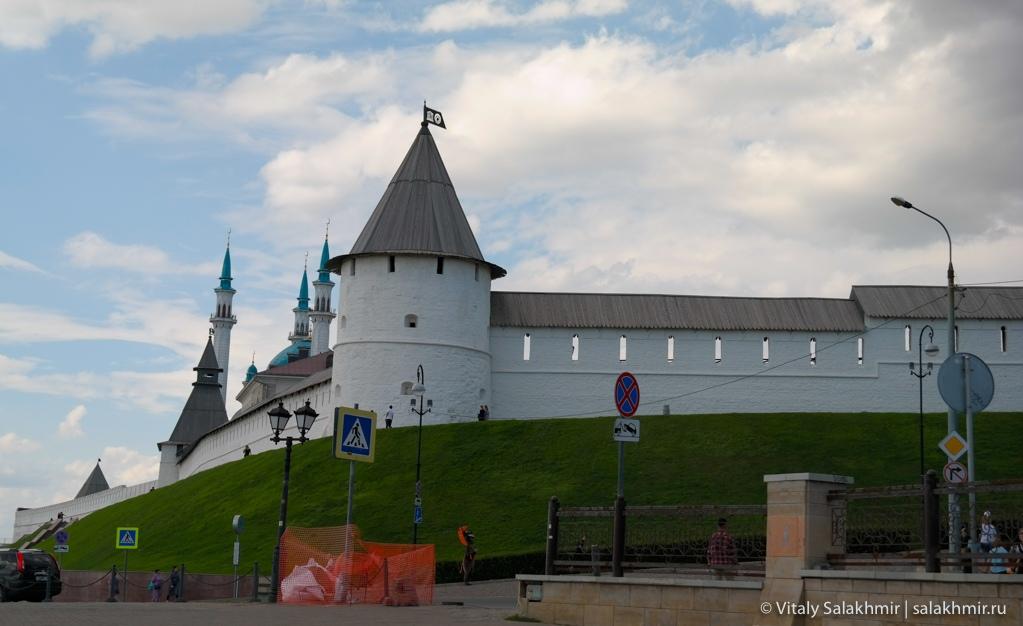 Стены Казанского Кремля – Казань 2020