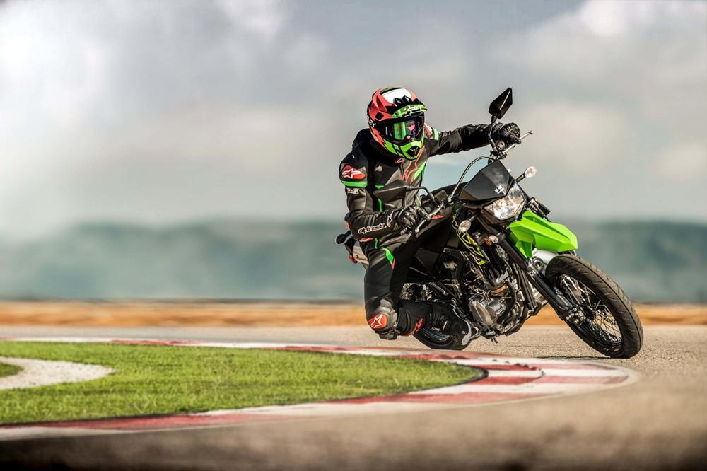 Неожиданная премьера: Супермото Kawasaki KLX300SM 2021