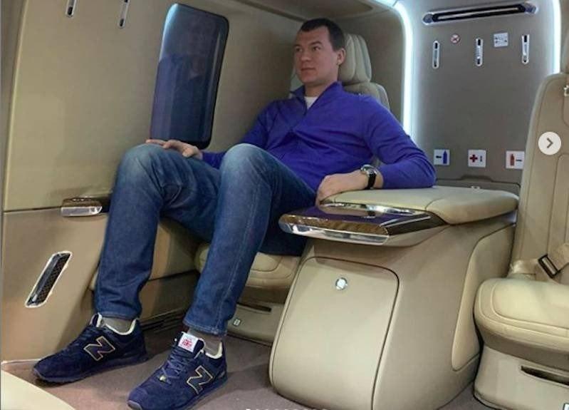 Дегтярев отменяет запрет чиновникам хабаровского правительства летать бизнес-классом за счет бюджета.